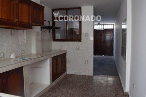 Oportunidad de venta de casa Urb. La Rinconada 3 pisos